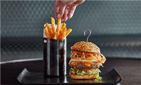 Burgers at Sir Malcolm