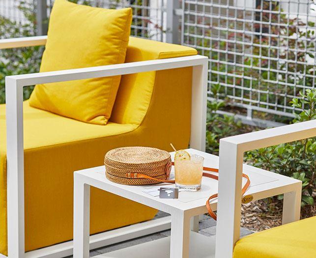 Daytona Beach Hotel Cabanas and Sun Deck Amenities