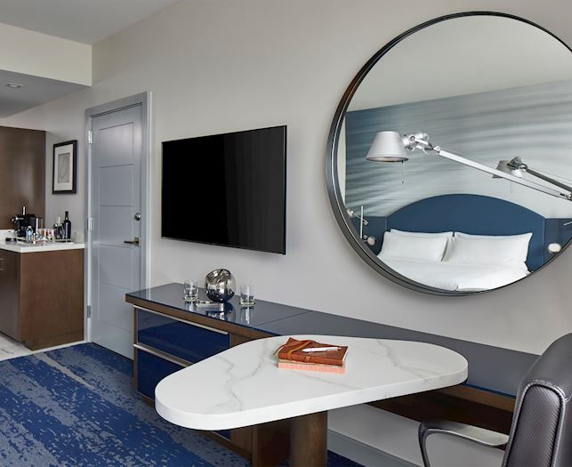 King Guest Room At The Daytona, Autograph Collection Hotel